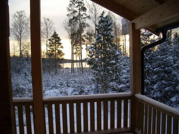 Winter auf der Terrasse im Fuchsbau in Smaland